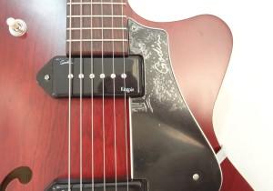 Godin 5th Avenue Kingpin II Burgundy Archtop Guitar cutaway view