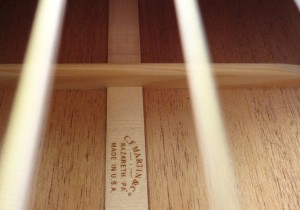 Martin 000-18E Retro Short Scale Acousitc Guitar Inside View
