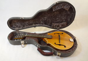 Weber 2 Point Bitterroot Mandolin With Case View