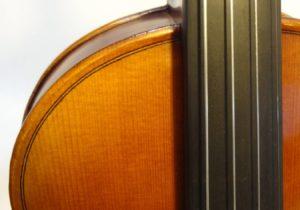 SYV-150 Fingerboard Close