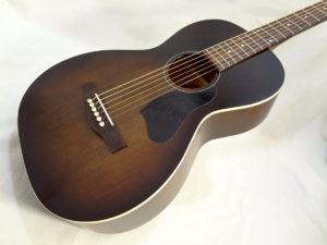 Art & Lutherie Roadhouse Acoustic Guitar Bourbon Finish Front Angled View