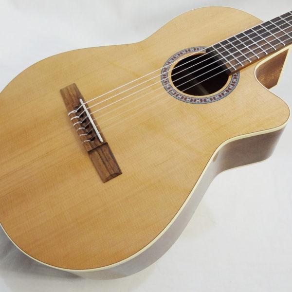 La Patrie Concert Cutaway with Pickup Nylon Classical Guitar