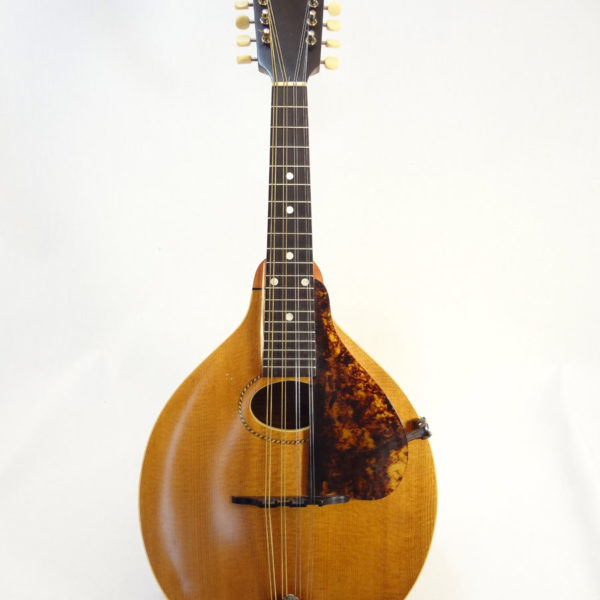 Gibson A - Mandolin 1916 Front View