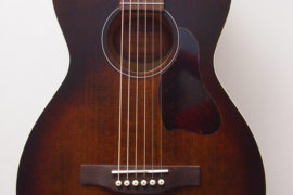 Art & Lutherie Bourbon Burst Acoustic Guitar Front Closeup