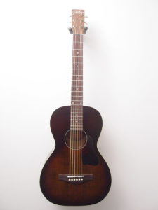Art & Lutherie Bourbon Burst Acoustic Guitar Front
