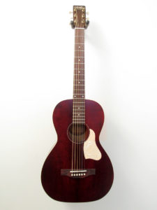 Art & Lutherie Tennessee Red Front