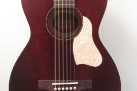 Art & Lutherie Roadhouse Tennesse Red Acoustic Guitar Top